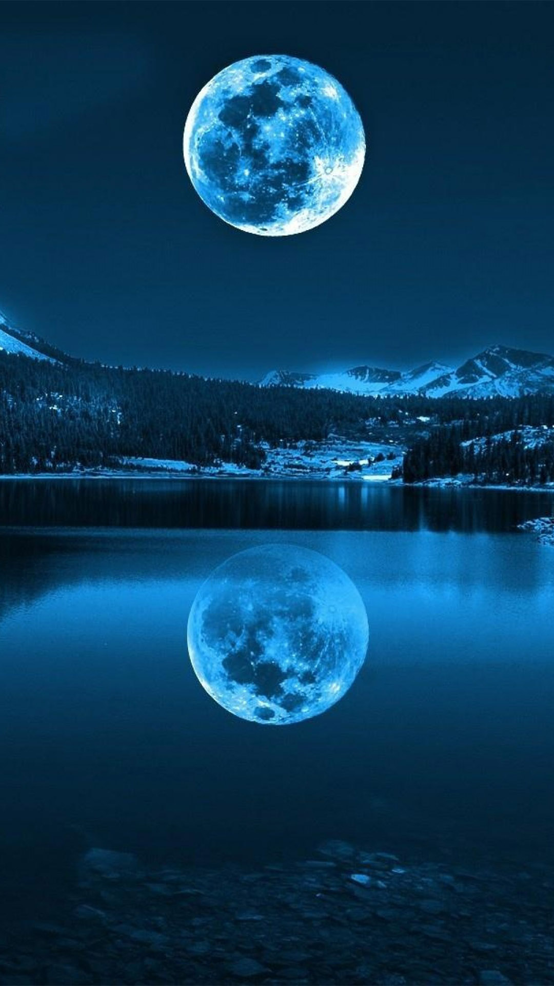 Giant Moon Rise Smartphone Wallpapers HD