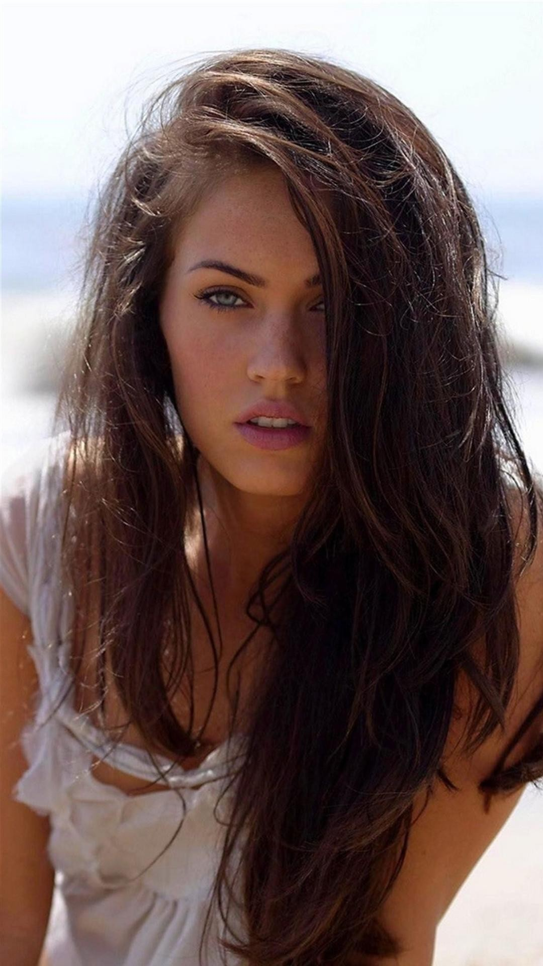 Sea Girls Beach Smartphone Wallpapers HD